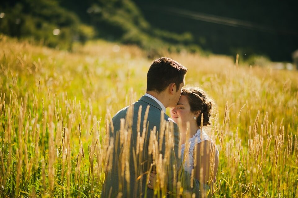 romance in the field