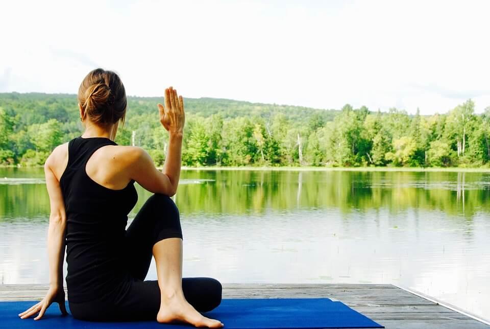 yoga-1812695_960_720